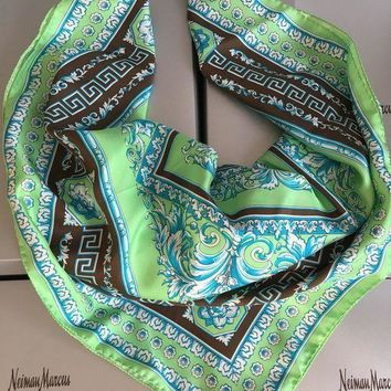 CREYON8C AUTHENTIC NWT Versace Baroque Floral Print Silk 35' Square Scarf Blue Green 90cm