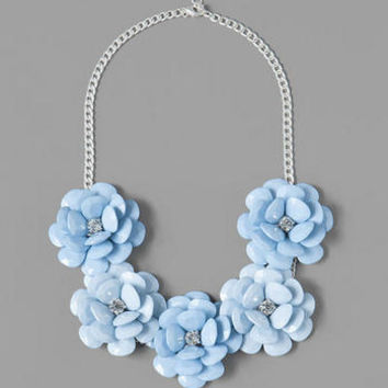 PROVINCETOWN FLORAL NECKLACE IN BLUE