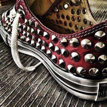 DCCK1IN studded converse converse burgundy low top with silver cone rivet studs by customduo
