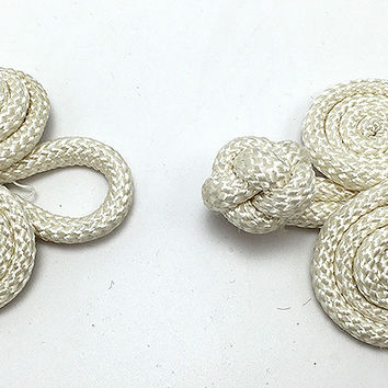 "Frog Closure, Triple Swirl White Braided Rope  2.5"" x 2"""