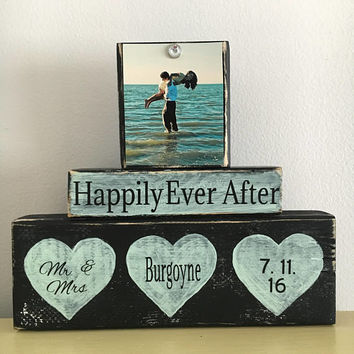 Wedding gift, Mr and Mrs, Wedding welcome sign, unique gift for couple, anniversary gift, beach wedding, teal wedding, shabby chic wedding