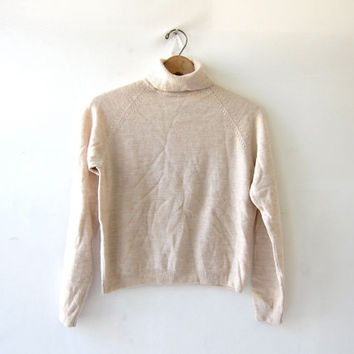 vintage wool sweater. Cropped sweater. oatmeal pullover. small fit sweater. turtleneck sweater.
