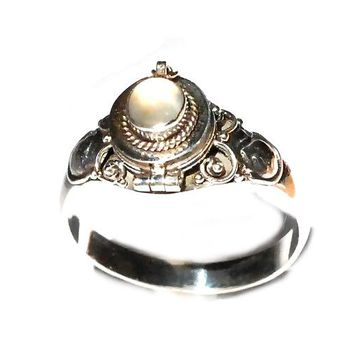 Sterling Silver thin Poison Ring with Simulated MoonStone