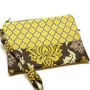 Women zippered clutch wristlet wallet purse.  Yellow and charcoal quatrefoil and damask. Gift for her.