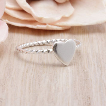 925 sterling silver Heart ring with twisted  band