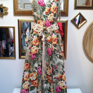 90s Hawaiian halter maxi dress - beautiful fit