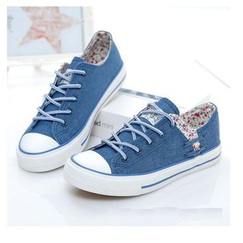 women canvas shoes 2017 new flat denim casual shoes Shallow mouth Floral Espadrilles high quality Small fresh women shoes