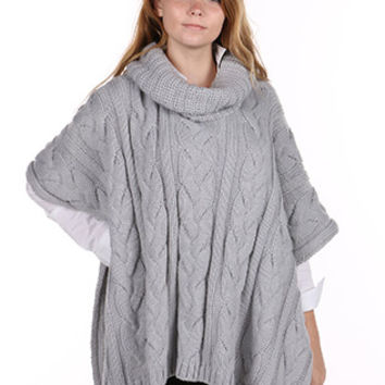CABLE KNIT   TURTLENECK PONCHO