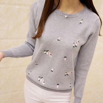 Women Embroidery Knitted Winter Women Sweater And Pullover Jersey Jumper Pull