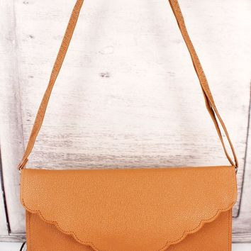 CARAMEL SCALLOPED ENVELOPE CLUTCH BAG