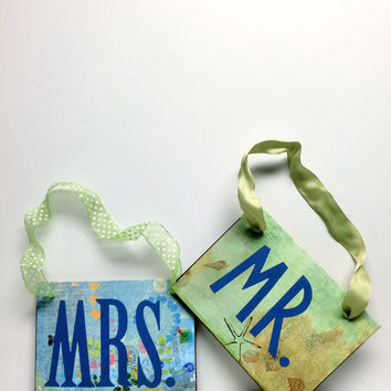 MRS Sign, MR Sign, Mr and Mrs sign, Chair Signs,Boho Chic, Wedding Sign,Beach, Seating Sign,Whimsical Wedding,Wedding Photo Prop,Signage