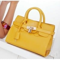 Wholesale Small beauties daughter Dennis bergkamp bag TW-2067Y - Lovely Fashion