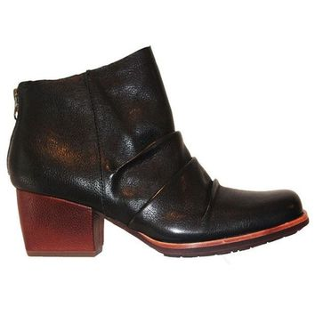 ONETOW Kork-Ease Kissel - Black Leather Back Zip Bootie