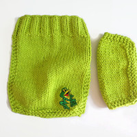 Knit Baby Bib and Washcloth - Baby Shower Gift - Frog Bib