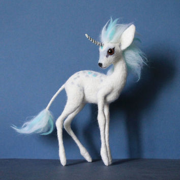 Made to order Unicorn / Kirin fawn needle felted Soft sculpture Wool figurine Felt toy Handmade OOAK fantasy art doll animal Animal plushie