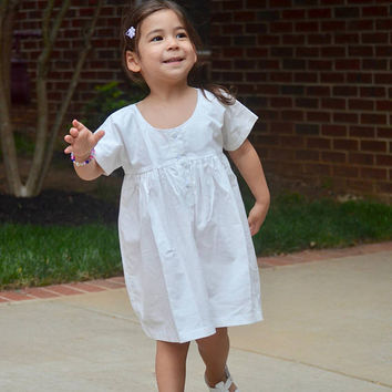White Baby Smock Dress, size M/L, Organic Cotton, Children & Toddler Clothes, Rustic Flower Girl Dress, Photo Prop, Classic Girl's Dress
