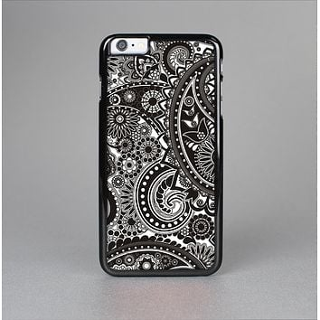 The Black & White Pasiley Pattern Skin-Sert for the Apple iPhone 6 Skin-Sert Case