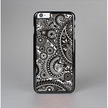The Black & White Pasiley Pattern Skin-Sert for the Apple iPhone 6 Plus Skin-Sert Case