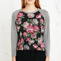 Truly Madly Deeply Carmen Baseball Top in Floral Print - Urban Outfitters