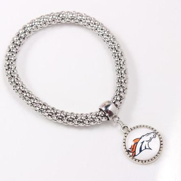 Zinc Alloy Sports Denver Broncos Bracelet Gift for Men Jewelry Fashion Pendant Bracelet with Popcorn ChainChain for Fans