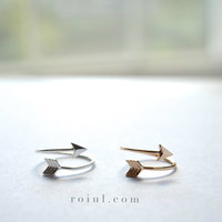 Dainty Arrow Ring // Gold or Silver