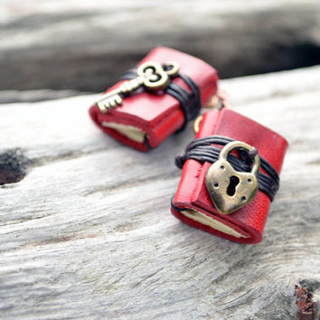 Heart Lock & Key Miniature books earrings Red leather by fullmoonn