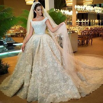 Luxurious Crystal Flora Bridal Dresses 2018 Saudi Arabic Lush Ball Gowns Custom Made Dubai Wedding Gowns Vestido De Noiva