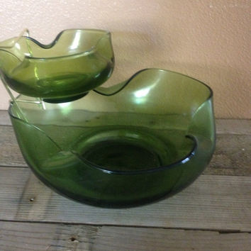 Vintage indiana glass chip and dip bowl set