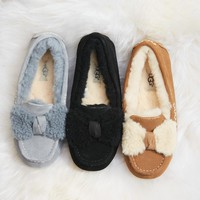 UGG Women's ANSLEY FUR BOW Shoes