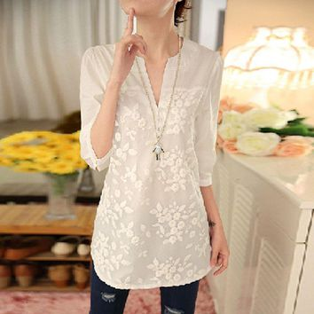 2016 New Summer Korean Women Blouse Flower Print Blouse V-neck Organza Embroidered Shirt White Lace Blouse Top Plus Size 566F 25
