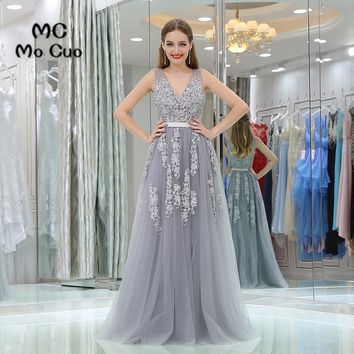 New Arrival 2017 Grey Prom dresses with Appliques V-Neck long graduation dresses Backless Evening Prom Dress Custom Made