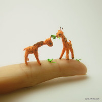 0.8 inch crochet giraffe - micro miniature animal