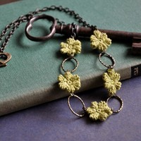 Olive Green Flower Necklace | Luulla