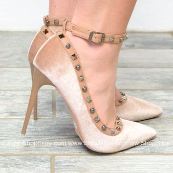 Blush'n Spikes Stiletto Heels