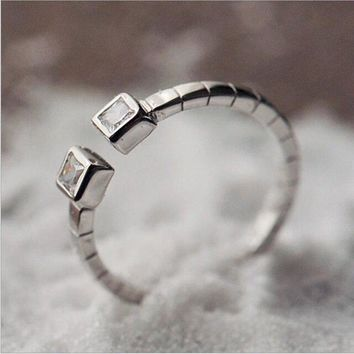 Creative 925 Sterling Silver Jewelry Rings Small Industrial Wind Nostalgic Mechanical Strap Shape Square Rings  SR276