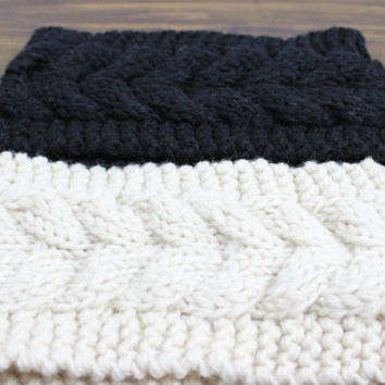 Fall Knitted Headband, Women's, Fashion Accessory, Cozy headband for her, Winter Hair Band, Cable Knit Ear Warmer in Black