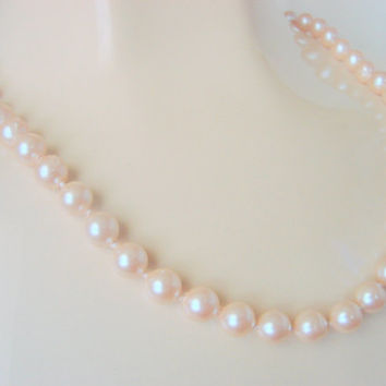 Classic Vintage Monet Simulated Pearl Necklace / Designer Signed /  Jewelry / Jewellery