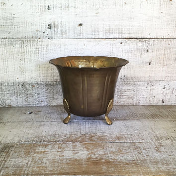 Brass Planter Large Hammered Brass Planter Hollywood Regency Footed Planter Mid Century Brass Ornate Brass Footed Planter Cottage Chic