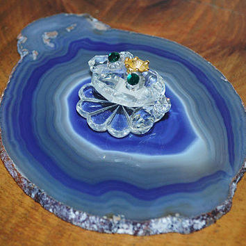 Crystal Frog On Blue Agate Slice, Crystal Frog With Crown