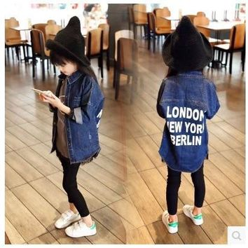 Trendy 2017 New Fashion Kids Girl Denim Jacket Coat Letter Print Long Trench Coat for Girls Outerwear Children Clothing Jaquetas Menina AT_94_13