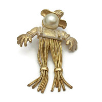 Unsigned Emmons Scarecrow Brooch - Gold Tone Faux Pearl Kinetic Chain Legs - Autumn Fall Jewelry- Spooky Cute Halloween Thanksgiving Pin