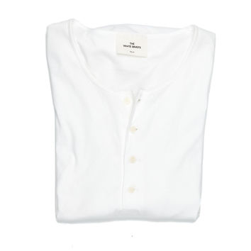 THE WHITE BRIEFS OAT SS HENLEY TEE