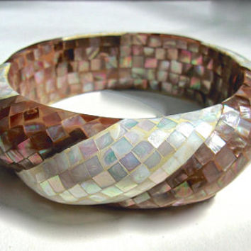White & Chocolate Mother of Pearl Bangle Bracelet, Iridescent Colors, Scalloped, Vintage