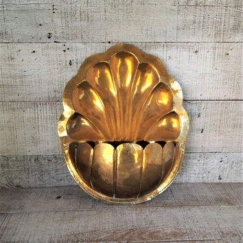 Hanging Brass Planter Brass Wall Pocket Wall Planter Hanging Planter Hollywood Regency Decor Brass Flower Pot Brass Basket Farmhouse Chic