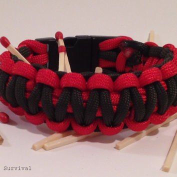 Survival Bracelet: Standard Fire Starter 550 Paracord Emergency Gear