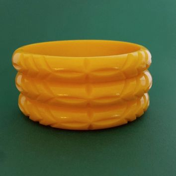 Elsie carved fakelite bangle - Yellow by Bow & Crossbones