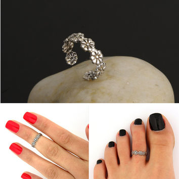 R284 Vintage Small Daisy Flower Joints Ring Beach Jewelry Retro Carved Adjustable Toe Ring Foot Women Jewelry 2017 HOT Selling