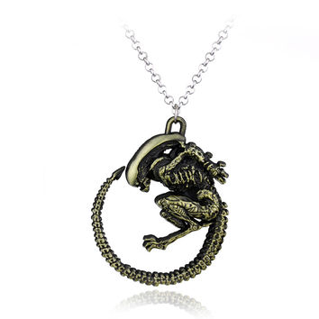 New Arrival Warrior Alien Metal Goth Horror Giger Cool Pendant Alloy Necklace Gift For Fans Movie Jewelry Free Shipping
