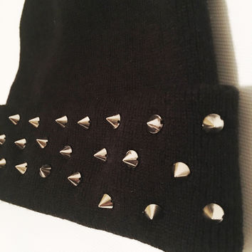Black Simple Spiked Beanie