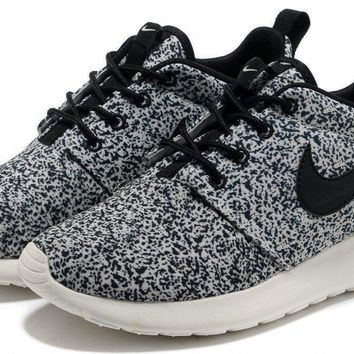 Nike Women's Roshe Run Floral Pack Black Sail